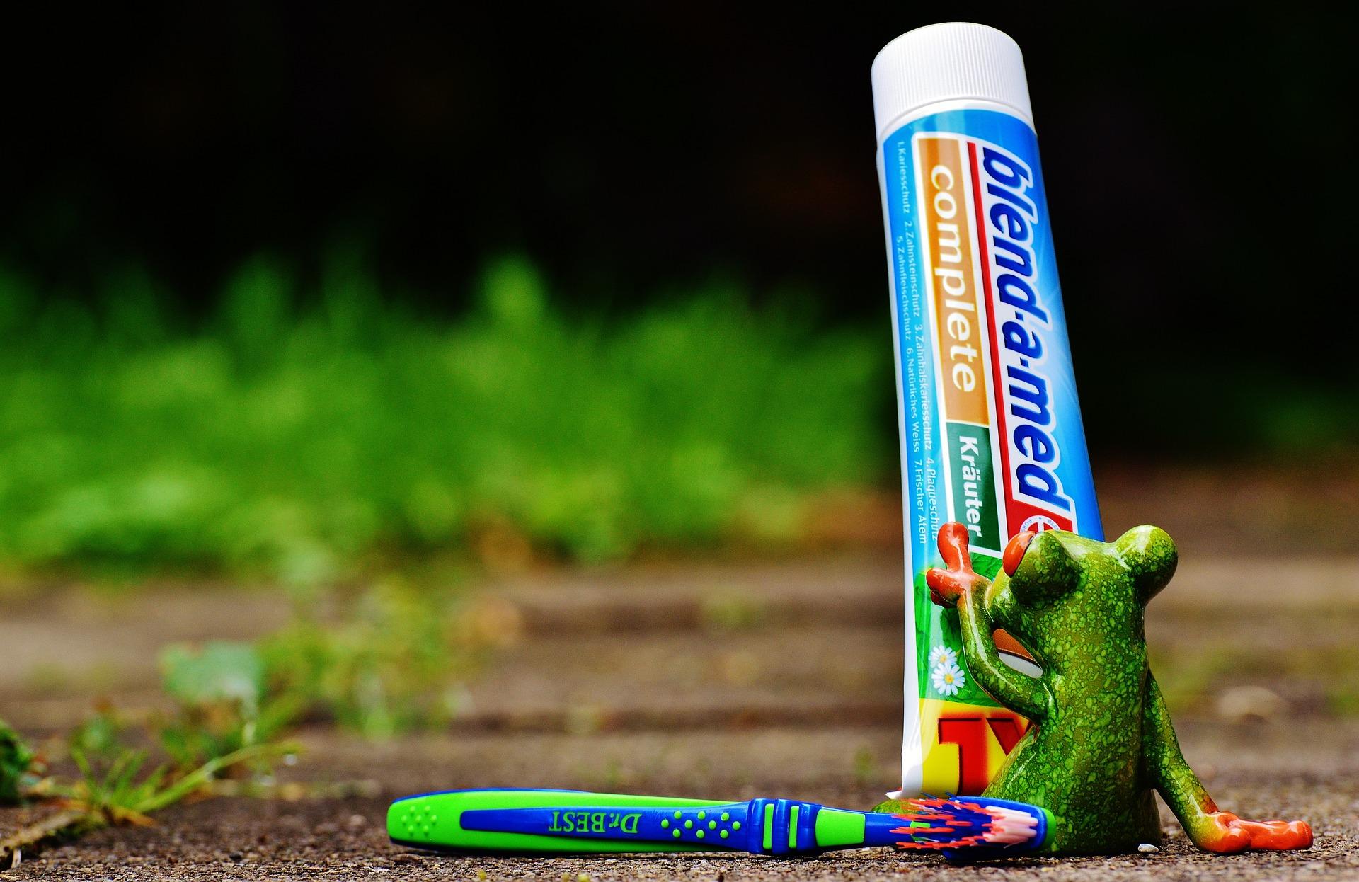 toothpaste 1446142 1920